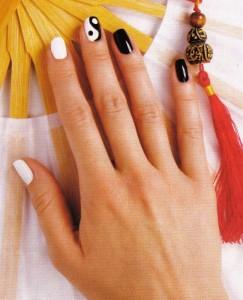 """Рисунок на ногтях """"ИНЬ-ЯН"""""""