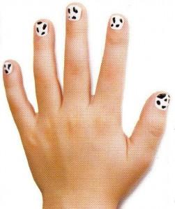 """Рисунок на ногтях """"Му-у"""""""