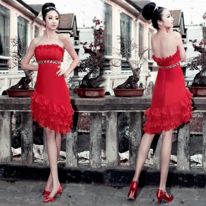 Носим платье с открытой спиной правильно (2)