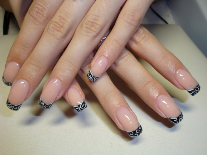 Особенности процедуры наращивания ногтей (3)