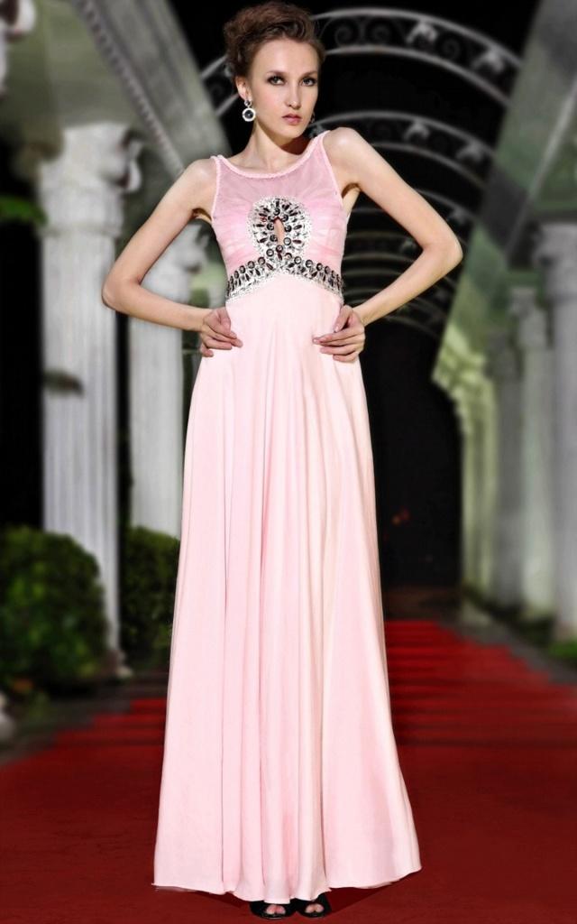 С чем носить атласное вечернее платье?1