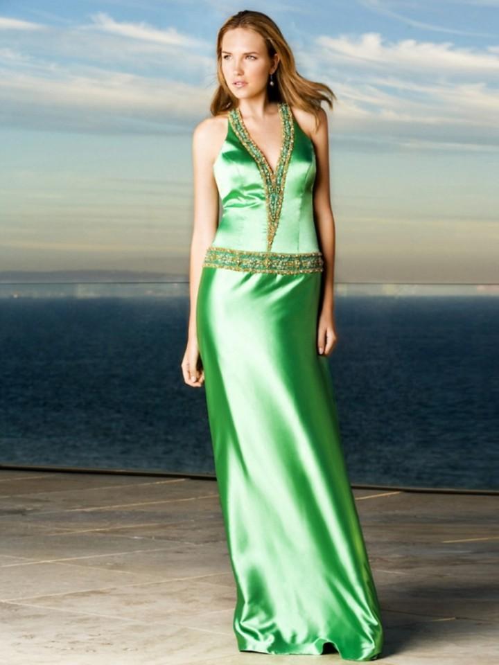 С чем носить атласное вечернее платье?2