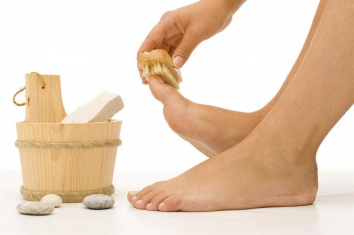 Удаление и лечение мозолей ног1