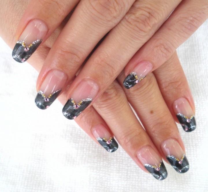 Декоративный дизайн ногтей: популярная мода современности1
