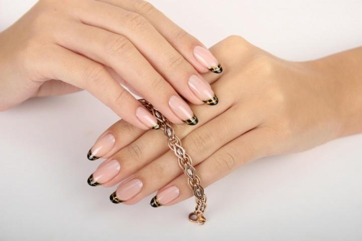 Причина появления белых пятен на ногтях и способы их устранения3