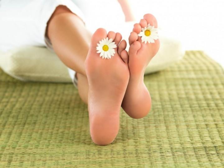 Как летом привести ноги в порядок