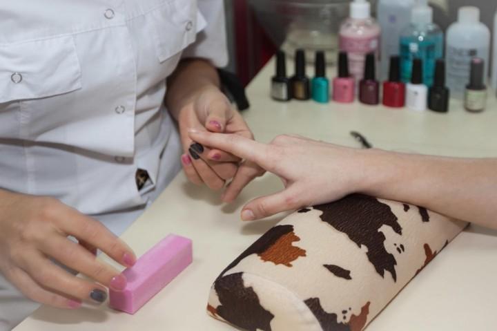 Особенности ногтевого сервиса в салонах