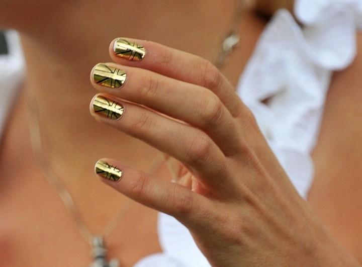 Правила осеннего ухода за ногтями2