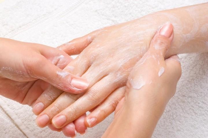 Как ухаживать за кожей рук зимой.3