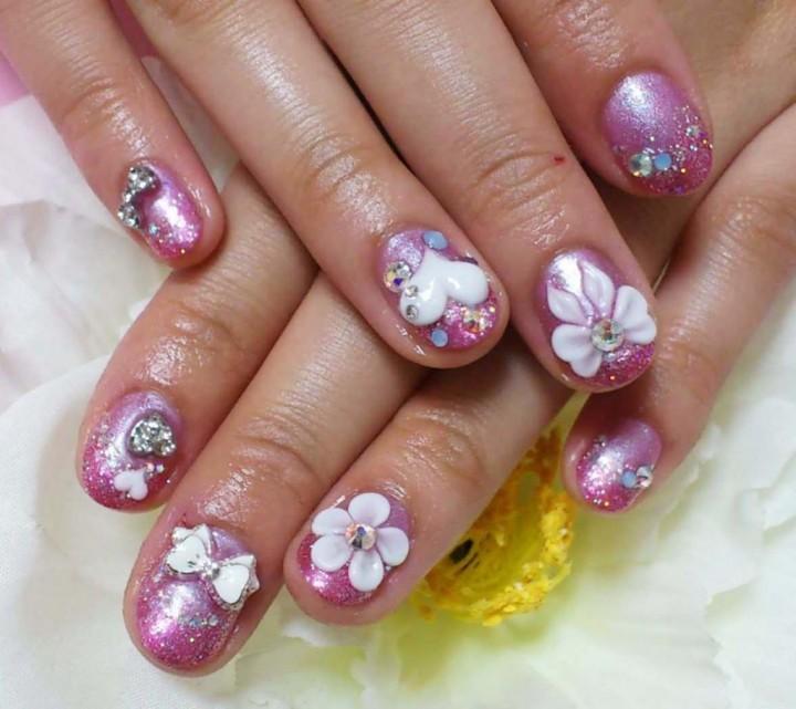 Ногти - предмет гордости для девушки