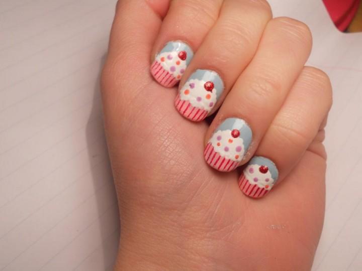 пироженки на ногтях 4